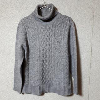 GU - GU    ニットセーター