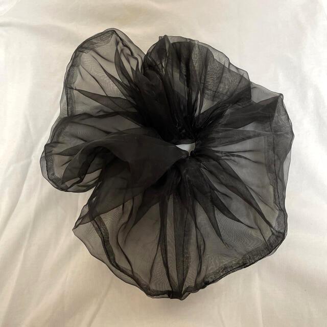 SPINNS(スピンズ)のビッグシュシュ レディースのヘアアクセサリー(ヘアゴム/シュシュ)の商品写真
