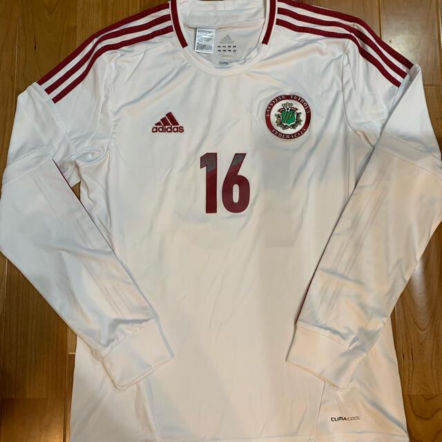 adidas(アディダス)のサッカー ラトビア代表ユニフォーム Oサイズ スポーツ/アウトドアのサッカー/フットサル(ウェア)の商品写真