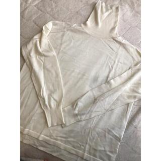 ノーリーズ(NOLLEY'S)のオフホワイト色 ウール100 タートルニット(ニット/セーター)