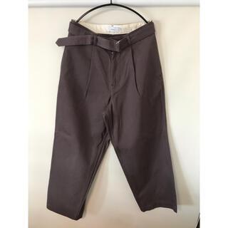 ワンエルディーケーセレクト(1LDK SELECT)のgraphpaper Hard Twill Belted Pants グレー(スラックス)
