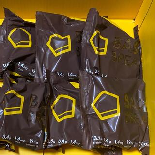 ベースフード 完全栄養食 BASE BREAD チョコレート味6袋(その他)