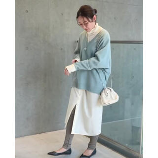 IENA - IENA❄️タグ付新品 Vネックコクーンニット サックスブルー