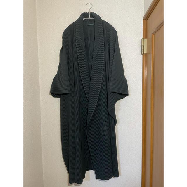ISSEY MIYAKE(イッセイミヤケ)のオムプリッセ 18awガウンコート メンズのジャケット/アウター(その他)の商品写真
