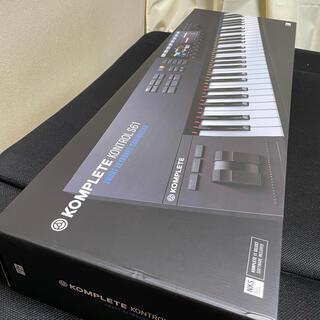 KOMPLETE Kontrol S61 mk2(MIDIコントローラー)