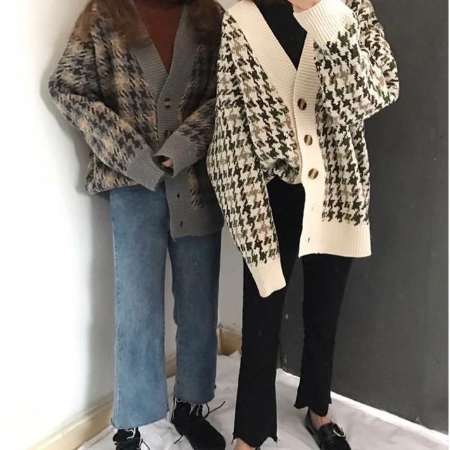 千鳥柄 ニットカーディガン ベージュ トップス レディースのトップス(カーディガン)の商品写真