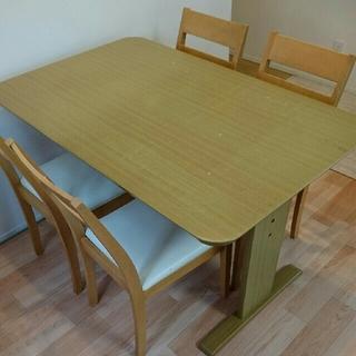 ニトリ(ニトリ)のダイニングテーブル➕チェア4脚セット(ダイニングテーブル)