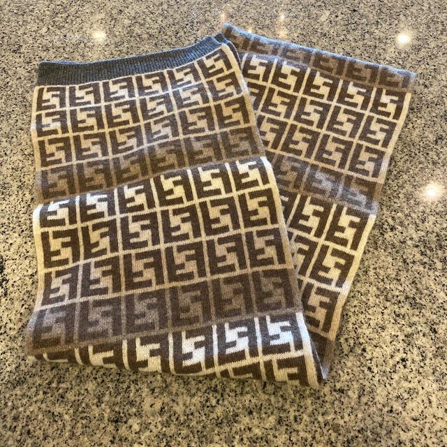 FENDI(フェンディ)のフェンディマフラー レディースのファッション小物(マフラー/ショール)の商品写真
