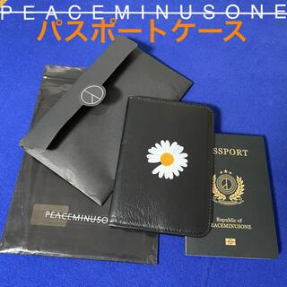 ピースマイナスワン(PEACEMINUSONE)のレア PMO PASSPORT CASE #1 パスポートケース(その他)