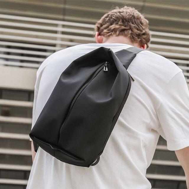 【新品】メンズ ボディーバッグ 斜め掛けバッグ ショルダーバッグ 大容量 通学  メンズのバッグ(ボディーバッグ)の商品写真