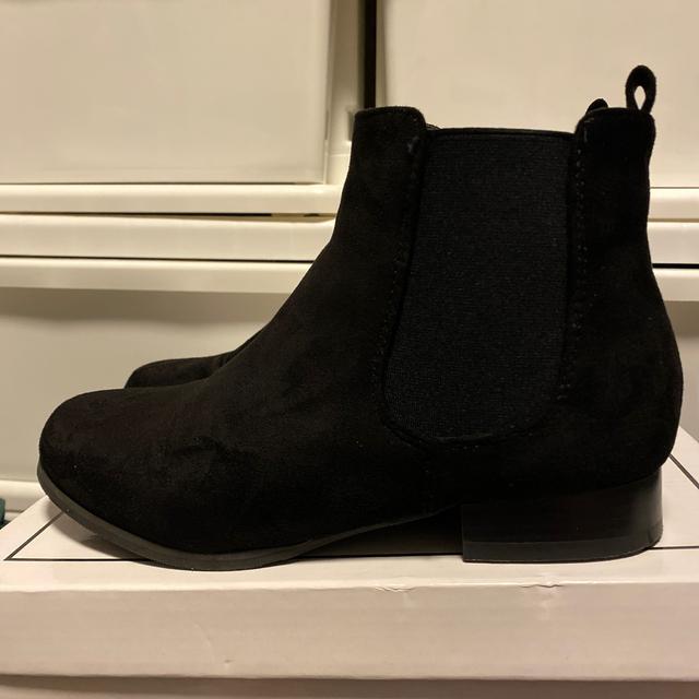GALSTAR(ギャルスター)のリエディ スゥェード ショートブーツ サイズM レディースの靴/シューズ(ブーツ)の商品写真