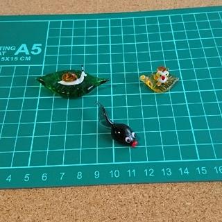 ガラス細工、置物  カタツムリ・フクロウ・オタマジャクシ(ガラス)