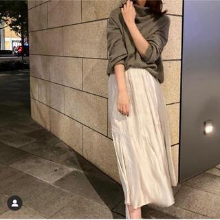 Mila Owen - サテンスカート