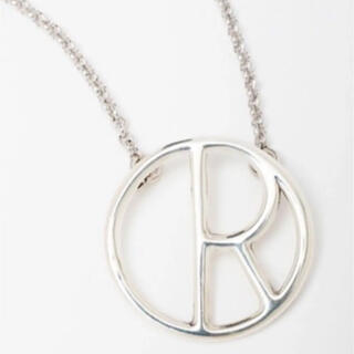 """フィリップオーディベール(Philippe Audibert)のフィリップオーディベール イニシャルネックレス """"R"""" 美品(ネックレス)"""