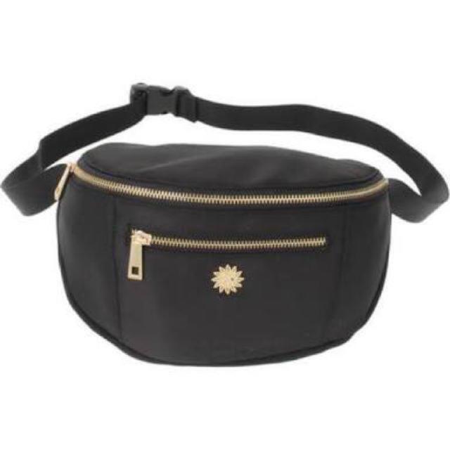 EVRIS(エヴリス)のEVRIS ボディバッグ  レディースのバッグ(ボディバッグ/ウエストポーチ)の商品写真