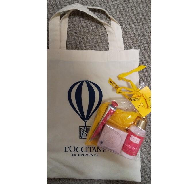 L'OCCITANE(ロクシタン)の(新品)ロクシタン ローズギフトセット 3点セット コスメ/美容のボディケア(ハンドクリーム)の商品写真