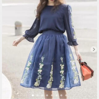 tocco - 【新品】トッコ シースルー 花柄 フラワー刺繍 オーガンジースカート 紺
