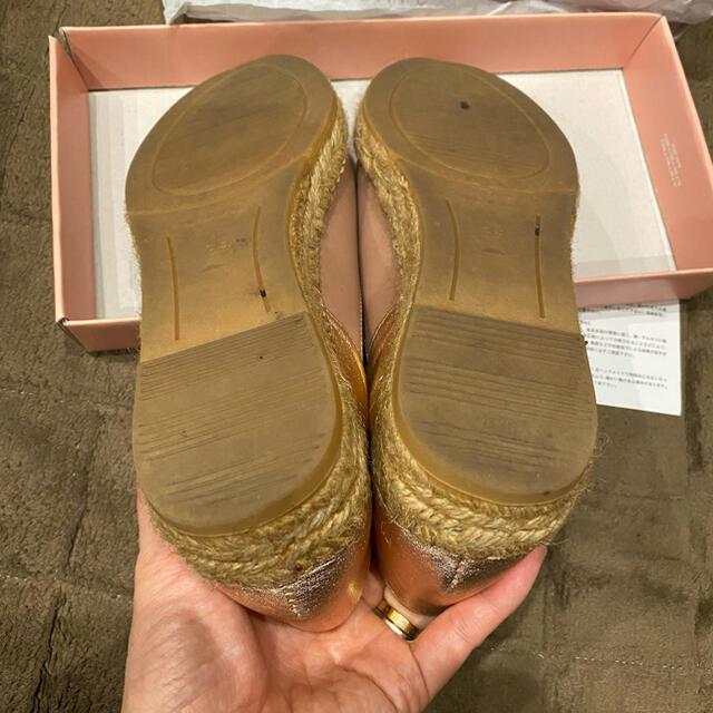 gaimo(ガイモ)の《ringo様専用》gaimo Vカットバブーシュ フラットシューズ レディースの靴/シューズ(スリッポン/モカシン)の商品写真