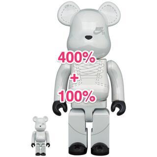 MEDICOM TOY - 新品 未開封 BE@RBRICK NIKE SB 2020 WHITE 400%