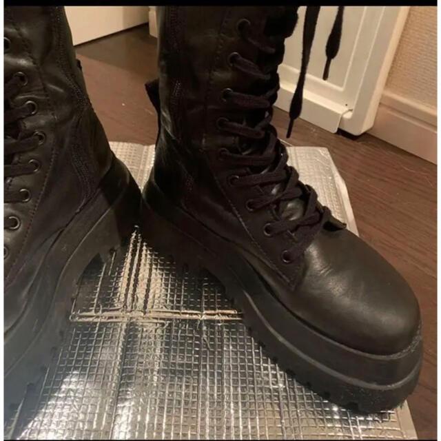 ZARA(ザラ)のZARA トラックソール フラットレザーブーツ レディースの靴/シューズ(ブーツ)の商品写真