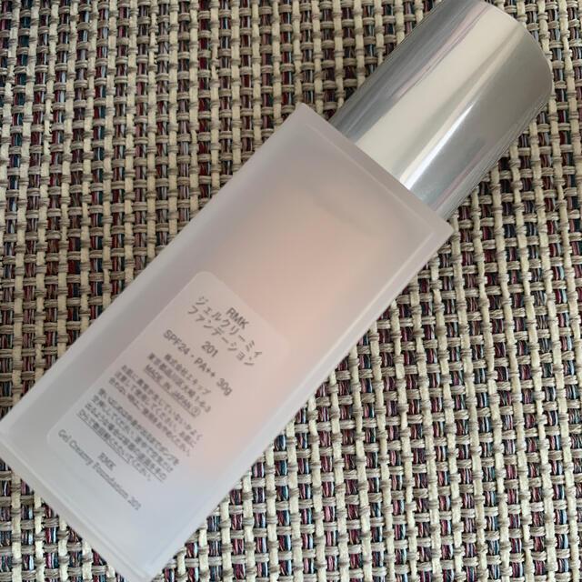 RMK(アールエムケー)のRMK ジェルクリーミィファンデーション 201 コスメ/美容のベースメイク/化粧品(ファンデーション)の商品写真