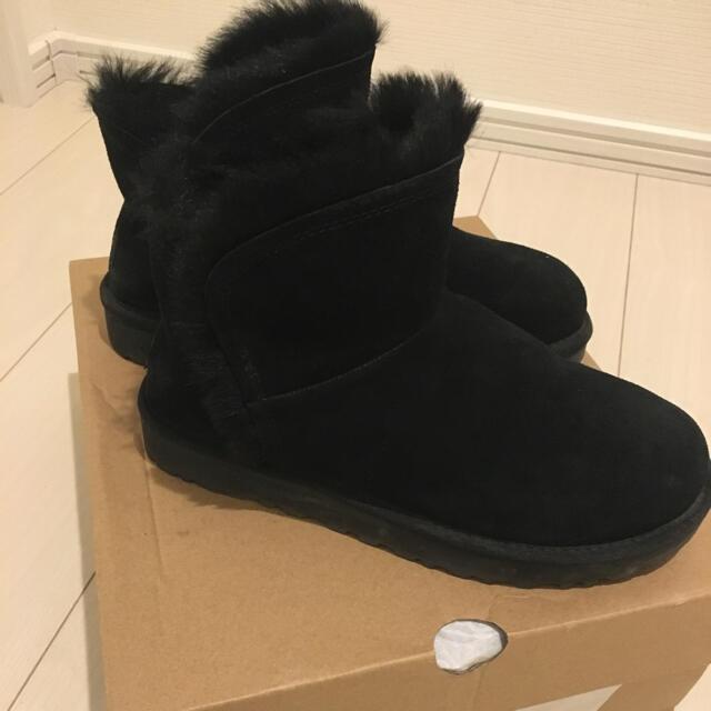 UGG(アグ)の≪新品同様≫UGG CLASSIC MINI FLUFF HIGH-LOW レディースの靴/シューズ(ブーツ)の商品写真