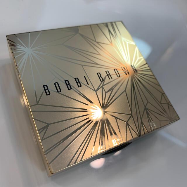 BOBBI BROWN(ボビイブラウン)の限定 BOBBI BROWN リュクス イルミネイティング パウダー  コスメ/美容のベースメイク/化粧品(フェイスパウダー)の商品写真