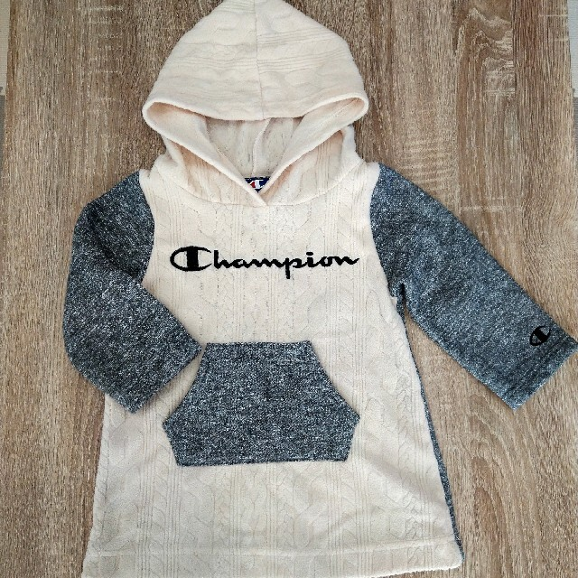 Champion(チャンピオン)のChampion ワンピース キッズ/ベビー/マタニティのキッズ服女の子用(90cm~)(ワンピース)の商品写真