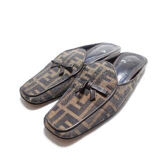 フェンディ(FENDI)の[FENDI] レディース ローファー 柄(ローファー/革靴)