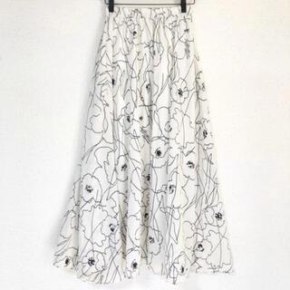 ザラ(ZARA)のモノトーンで可愛い(๑˃̵ᴗ˂̵)✨‼️❤️Janiss❤️花柄ロングスカート(ロングスカート)