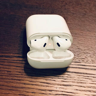 Apple - 7.Apple AirPods with Charging Case 第1世代