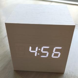 新品 未開封 LED WOOD CLOCK インテリア置時計