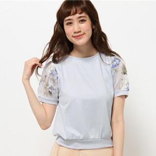 ミスティウーマン(mysty woman)のオーガンジー 花柄 パフ袖 Tシャツ(Tシャツ(半袖/袖なし))