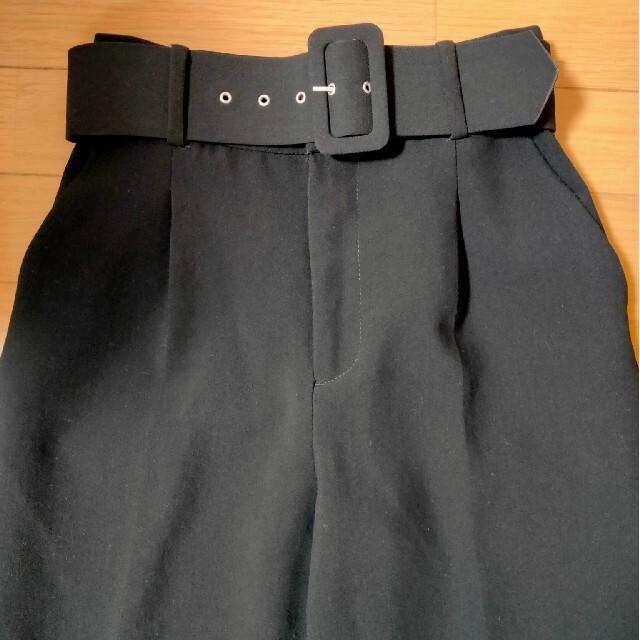 ZARA(ザラ)のザラ ベルト付ハイウエストパンツ XS レディースのパンツ(カジュアルパンツ)の商品写真
