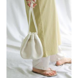 チャオパニックティピー(CIAOPANIC TYPY)のselect MOCA カービングギャザー巾着バッグ ホワイト(ショルダーバッグ)