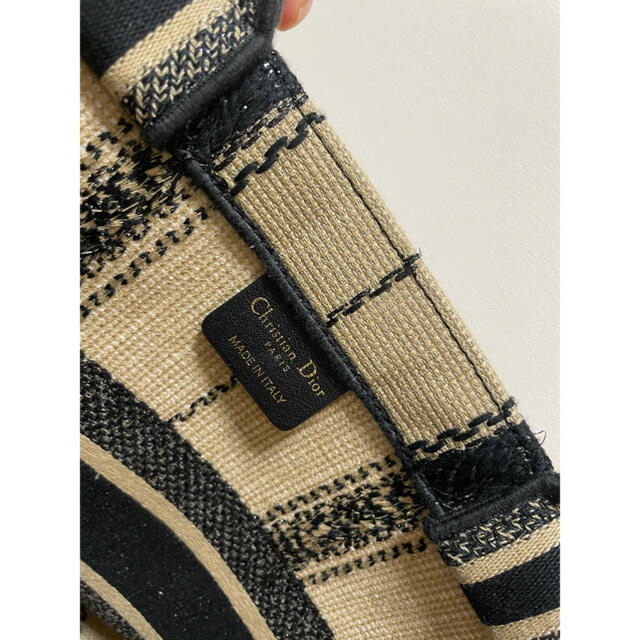 Christian Dior(クリスチャンディオール)のレア★未使用品ディオールブックトート レディースのバッグ(トートバッグ)の商品写真