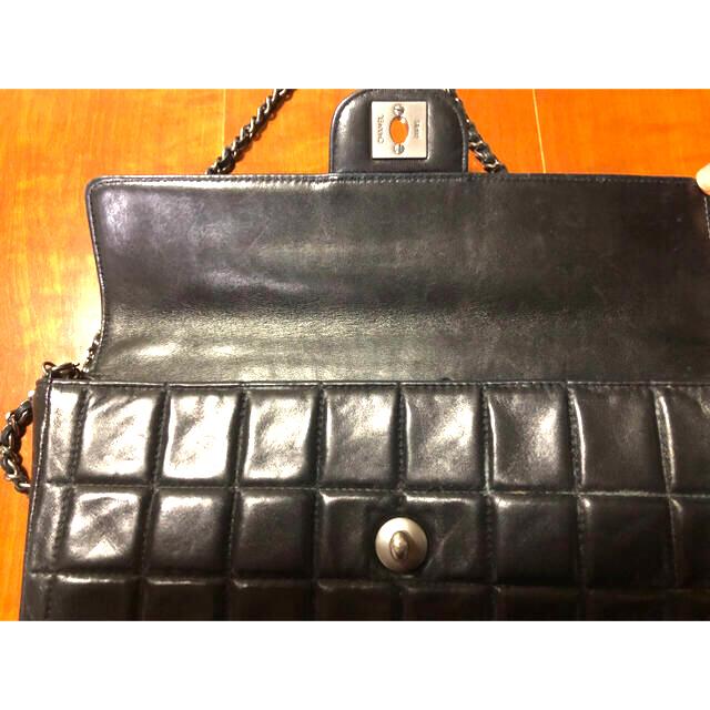 CHANEL(シャネル)のCHANEL チョコバー マトラッセ ショルダーバッグ シルバー レディースのバッグ(ショルダーバッグ)の商品写真