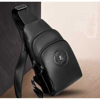 メンズ 牛革 ボディバッグ ブラック レザー ショルダーバッグ日本未入荷 未発売(ボディーバッグ)