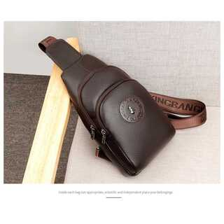 メンズ 牛革 ボディバッグ ブラウン レザー ショルダーバッグ日本未入荷 未発売(ボディーバッグ)