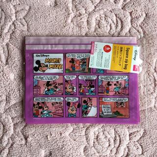 ディズニー(Disney)のミッキーミニーコミック風ジップバック(キャラクターグッズ)