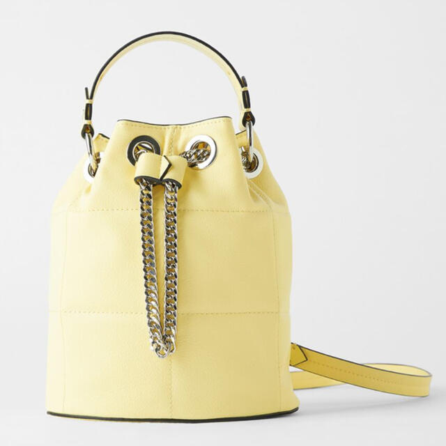 ZARA(ザラ)のZARA イエローミニショルダーバッグ レディースのバッグ(ショルダーバッグ)の商品写真
