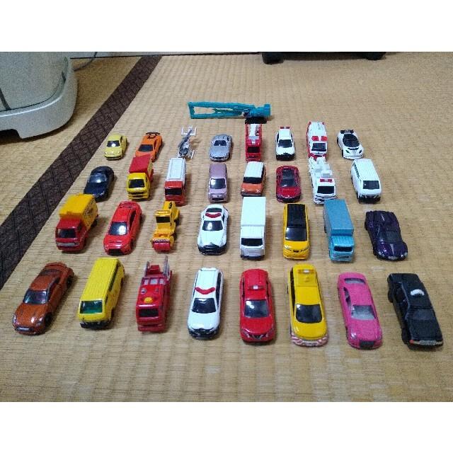 Takara Tomy(タカラトミー)のトミカ 30台 セット 箱無し 格安 激安 エンタメ/ホビーのおもちゃ/ぬいぐるみ(ミニカー)の商品写真