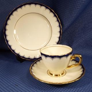 ロイヤルアルバート(ROYAL ALBERT)の英国製TUSCANタスカン金彩とブルーリングのトリオ(食器)