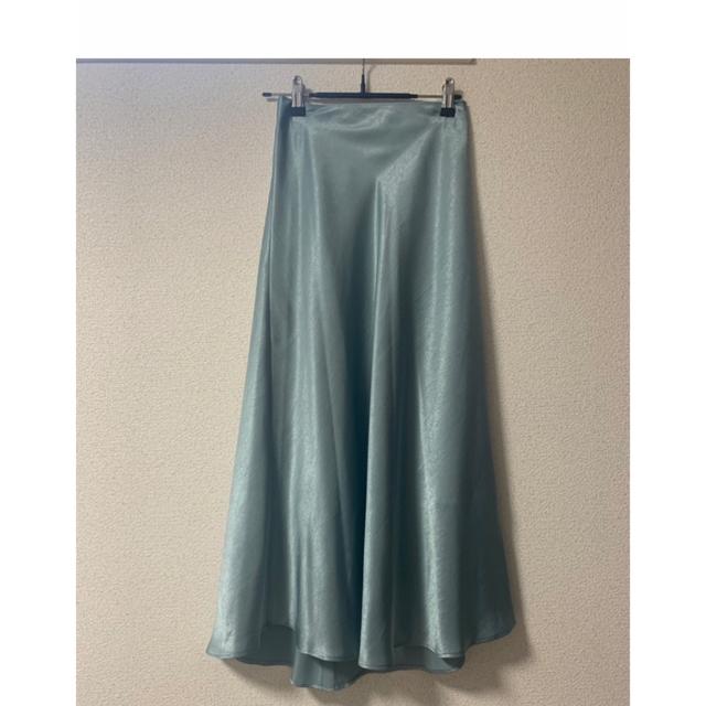 NATURAL BEAUTY BASIC(ナチュラルビューティーベーシック)のナチュビュ サテンスカート グロッシースカート マーメイドスカートセルフォード レディースのスカート(ロングスカート)の商品写真