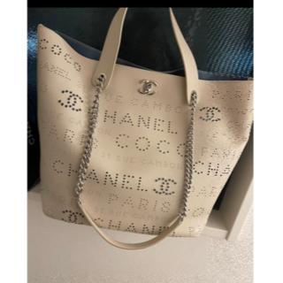 CHANEL - 27番台❤︎ CHANEL パンチングレザー 2wayショルダーバッグ