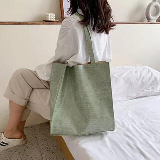 ZARA - ミントグリーントートバッグ