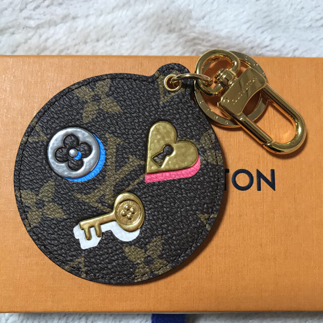 新品未使用!レア商品 ルイヴィトンバッグチャーム レディースのファッション小物(キーホルダー)の商品写真