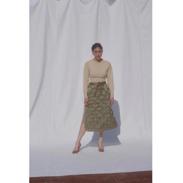 TOMORROWLAND(トゥモローランド)のFUMIKA UCHIDA キルティングスカート レディースのスカート(ひざ丈スカート)の商品写真
