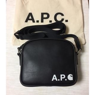 A.P.C - 【A.P.C.】Carhartt WIP レザー クロスボディ バッグ