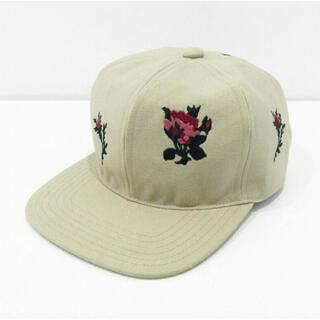 アレッジ(ALLEGE)のttt msw flower embroidery cap(キャップ)